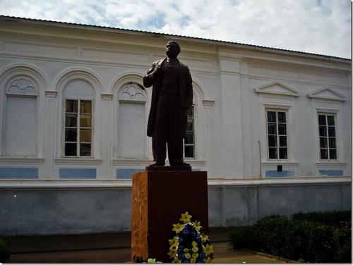 Корець, пам'ятник Шевченкові