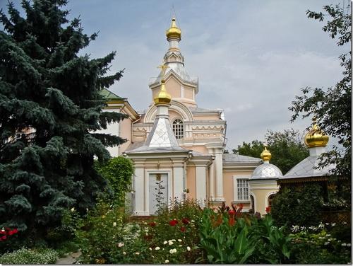 Корець, церква Іоанна Предтечи Свято-Троїцького монастиря