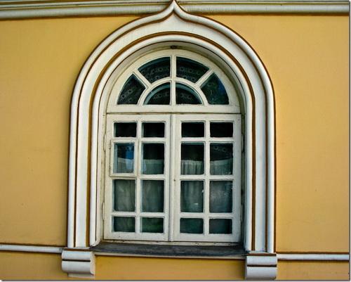 Корець, надбрамна дзвіниця Свято-Троїцького монастиря
