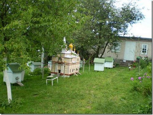 """Корець, """"бджолиний храм"""" Свято-Троїцького монастиря"""
