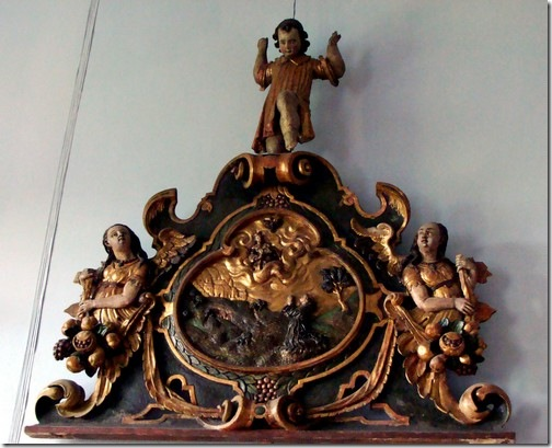 Олеський замок, дерев'яна скульптура