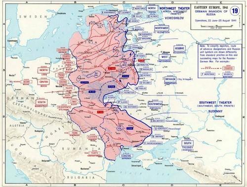 """Восточный фронт. Июнь-август 1941 года. Коростень находится на острие синего выступа в центре рядом с надписью """"5-Потапов"""""""