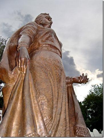 Коростень, пам'ятник княгині Ользі