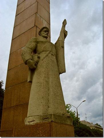 Коростень, пам'ятник зачинателям всеукраїнського страйку залізничників