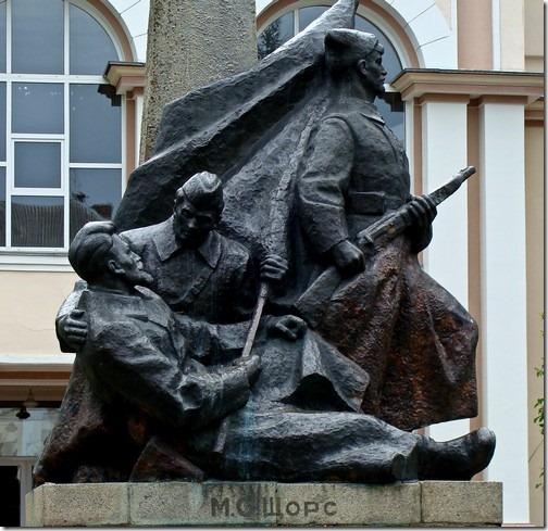 Коростень, пам'ятник Щорсу