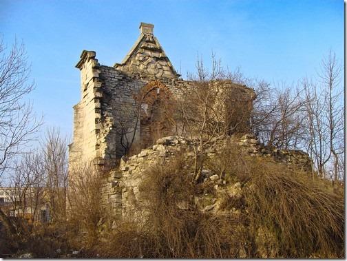 Скала-Подільська, залишки костелу