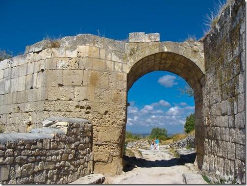 Чуфут-Кале, серединні ворота