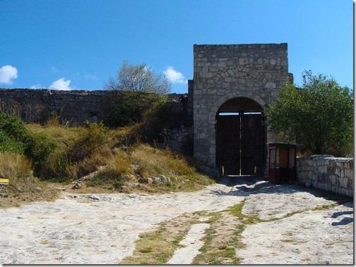 Чуфут-Кале, східні ворота