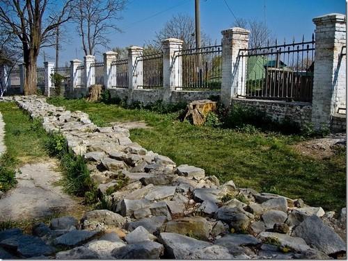Переяслав-Хмельницький, подвір'я Михайлівської церква