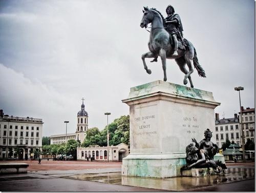 Ліон. Статуя Людовіка XIV на площі Белькур