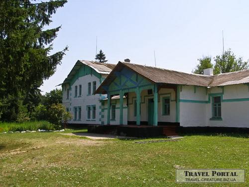 Школа села Круподеринці