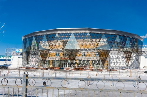 Здания в Ханты-Мансийске.