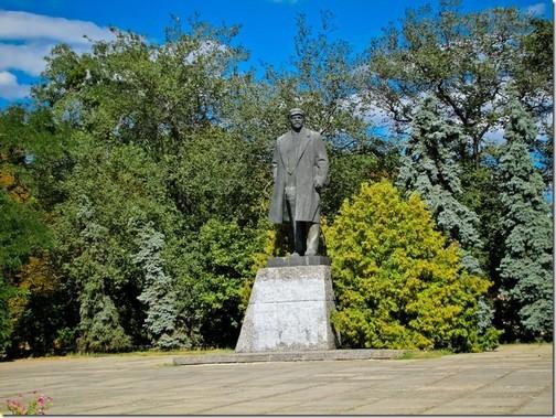 Лубни. Пам'ятник Леніну